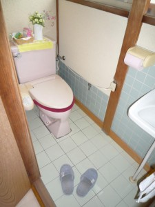 W800Q75_1階トイレ 前